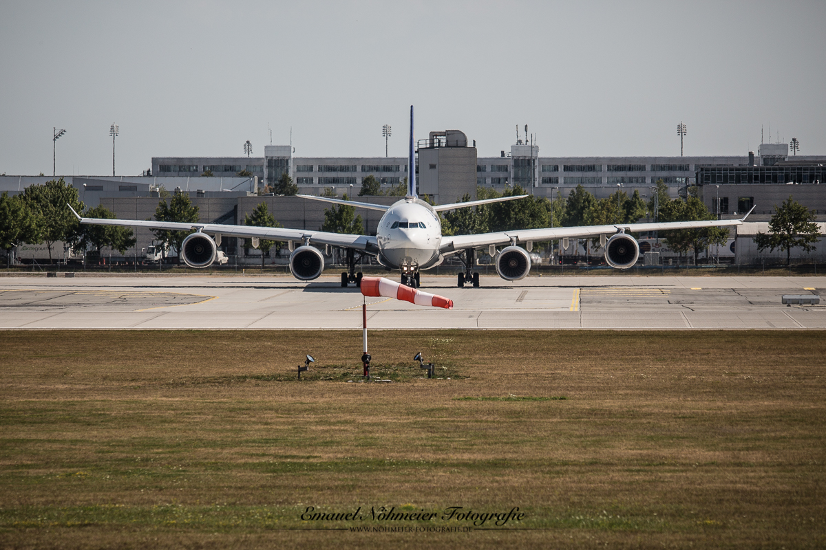 Plane Spotting MUC -06. August 2013  -  19